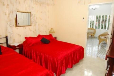 Habitación_No._1_de_la_casa_particular_Hostal_Gina_y_Francis_en_la_ciudad_de_Holguín_en_Cuba