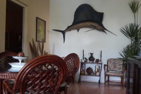Sala_del_Hotal_Villa_Marlin_en_la_ciudad_de_Cienfuegos_en_Cuba