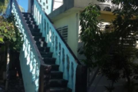"Frente_del_""Hostal_Aguada""_a_Guardalavaca_en_la_provincia_de_Holguín_en_Cuba"