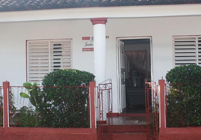 Entra_principal _de_la_Casa_Juanka_&_Yudy_en_la_ciudad_de_Viñales_en_Cuba